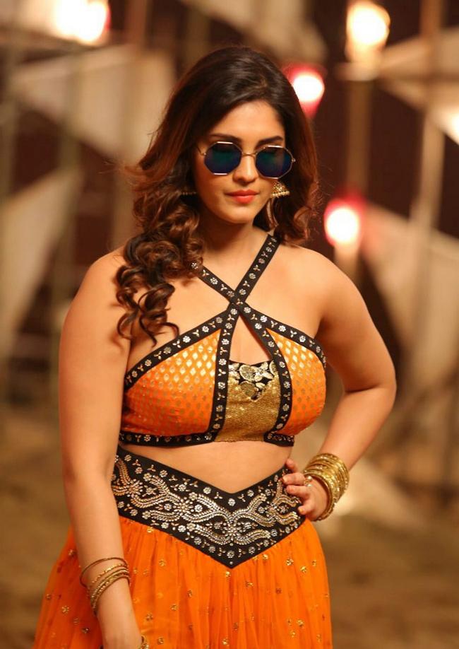 Actress Surabhi Stills 1513582304Actress_Surabhi_Stills023