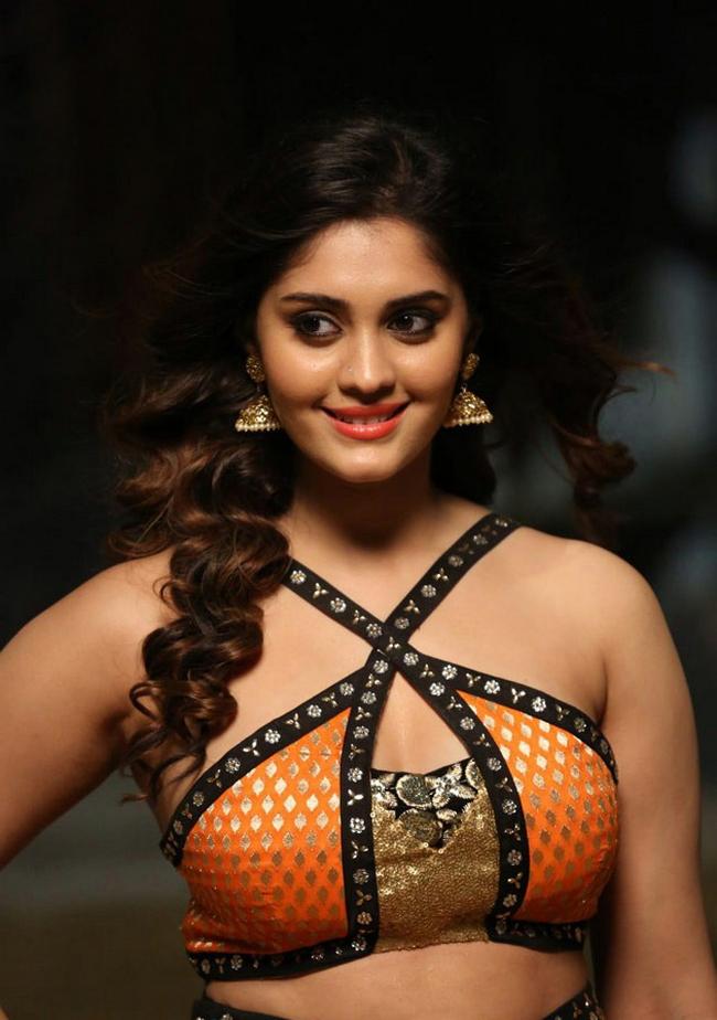 Actress Surabhi Stills 1513582315Actress_Surabhi_Stills034