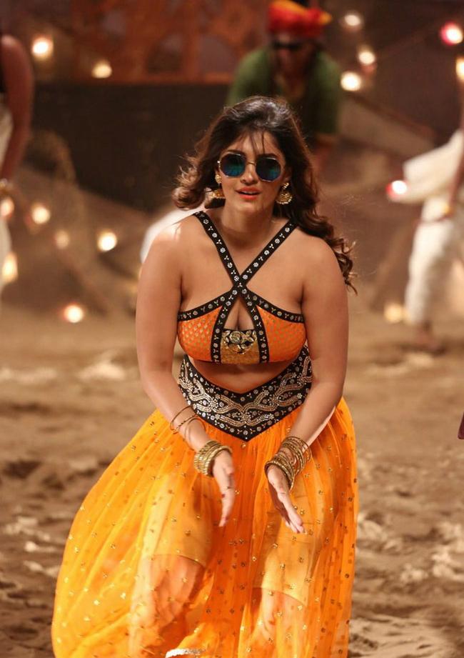 Actress Surabhi Stills 1513582315Actress_Surabhi_Stills038