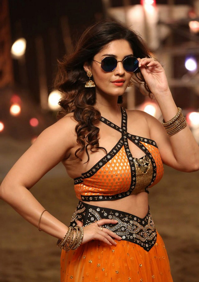 Actress Surabhi Stills 1513582315Actress_Surabhi_Stills039