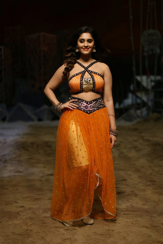 Actress Surabhi Stills 1513582315Actress_Surabhi_Stills041