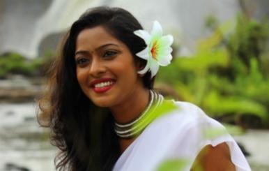 Actress Sunulakshmi  Stills