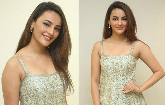 Actres Seerat Kapoor Stills