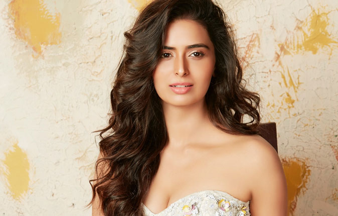 Actress Meenakshi Dixit Stills
