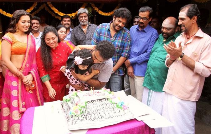 Shobi Lalitha Daughter Birthday Celebration at Kalakalappu2 Set Stills