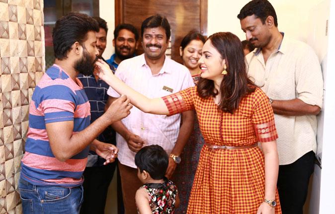 Ulkuthu Movie Team Celebrates Christmas Stills