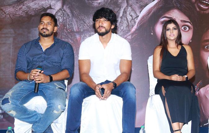 Iruttu Araiyil Murattu Kuthu Movie Press Meet Stills