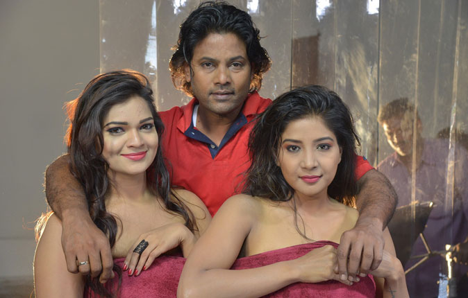 Jeyikkira Kuthira Movie Stills