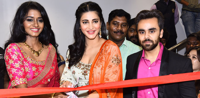 Shruthi Haasan in NeeruтАЩs Family Store Open at Chennai