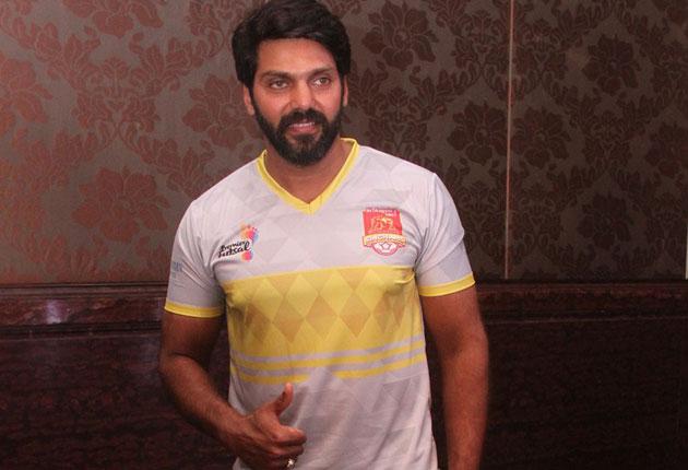 Arya as  Ambassador to St.Angelos VNCT Chennai Singhams Premier Futsal Team