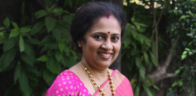 நடிகை லஷ்மி ராமகிருஷ்ணன் கமிஷ்னர் அலுவலகத்தில் பரபரப்பு புகார்!