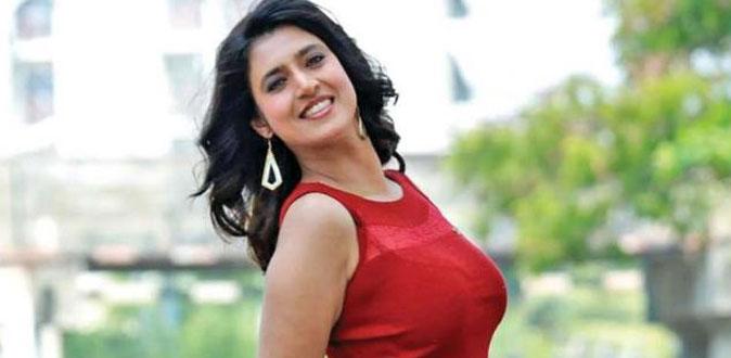 நடிகை கஸ்தூரி மீது போலீசில் புகார்!