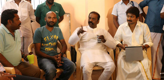 Vairamuthu visits the shooitng sets of 'Kanne Kalaimaane'