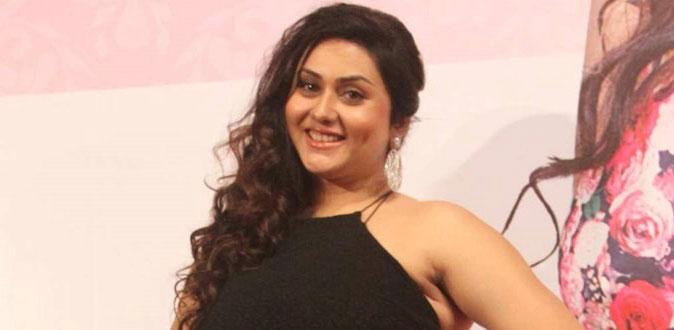 திருமணம் குறித்து நடிகை நமீதா பரபரப்பு பேட்டி!