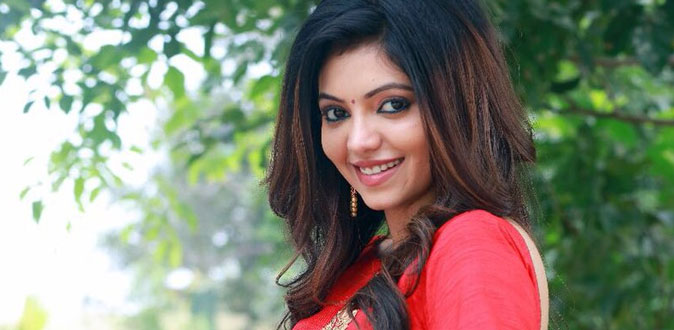 Young Actress Athulya Ravi is Too Busy in Kollywood