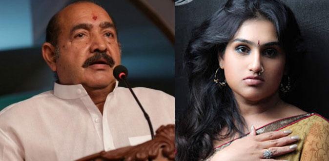 மகள் மீது போலீசில் புகார் அளித்த நடிகர் விஜயகுமார்!