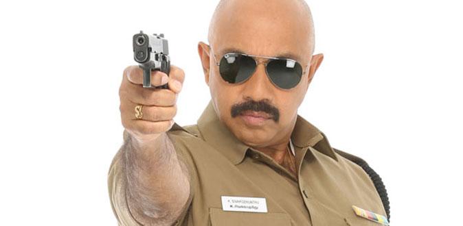 திகிலான ரேடியோ ரூமில் நடிகர் சத்யராஜ்!