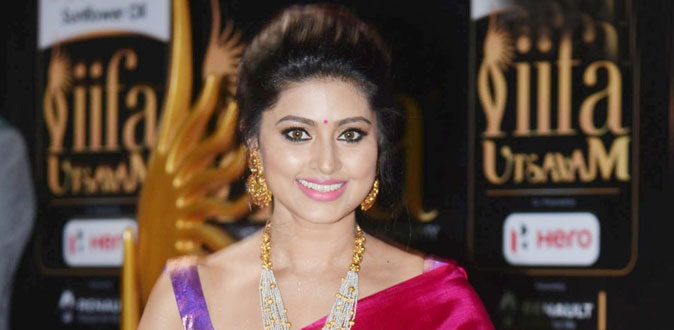 கதறிய சினேகா - மன்னிப்பு கேட்ட இயக்குநர்!
