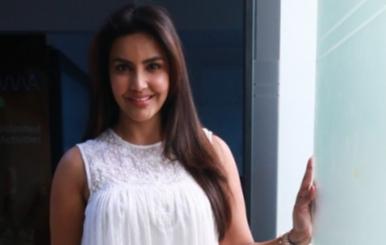 Actress priya anand exclusive photos